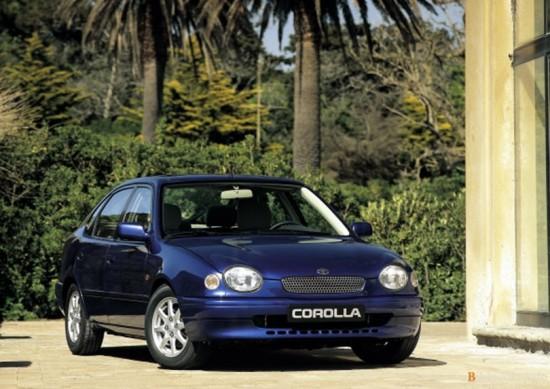 Пятидверный хэтчбек Тойота Королла 1998 года выпуска