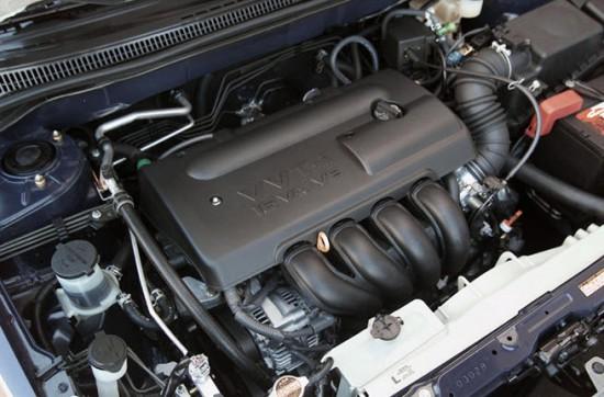 Двигатель Тойота Королла 2004