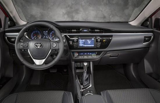 Интерьер Toyota Corolla 2012 Е160
