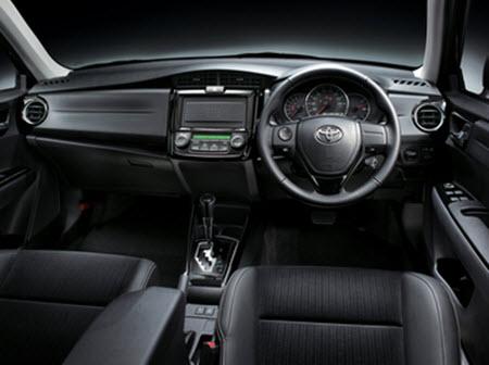 Интерьер Toyota Corolla Fielder 2012