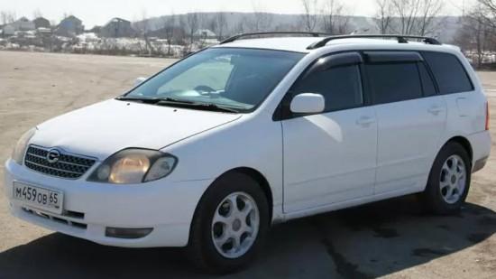 Toyota Fielder 2000