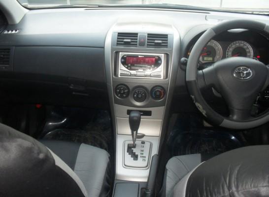 Передняя часть салона Toyota Fielder 2007