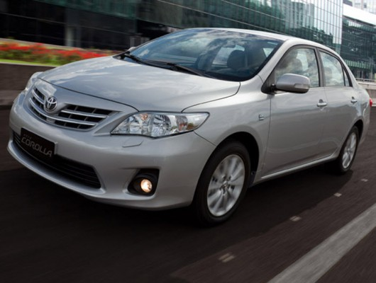 Седан Toyota Corolla 2012 года выпуска