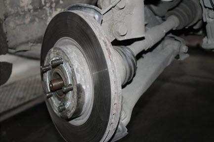 Тормозной диск без скобы суппорта