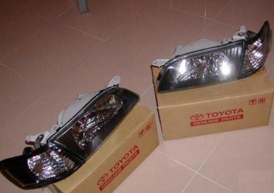 Новые блочные комплекты фар с указателями поворотов Toyota Corolla АЕ110