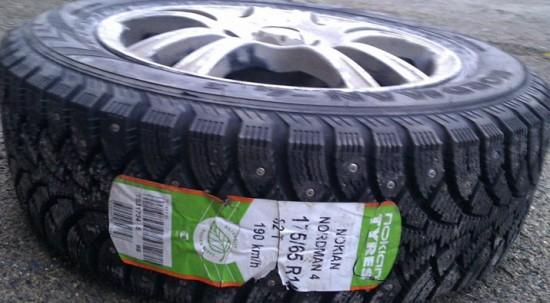 Резина зимняя Nokian Nordman 4 на родном диске Тoyota Сorolla Е11