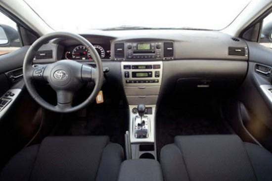 Салон Toyota Corolla на «роботе»