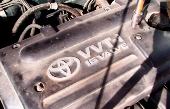 Расположение болтов на крышке двигателя