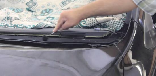 Обработка поверхности машины перед установкой стекла