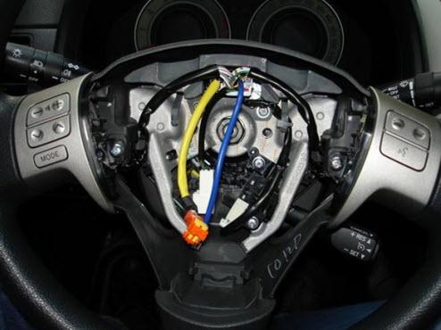 Руль с установленными кнопками