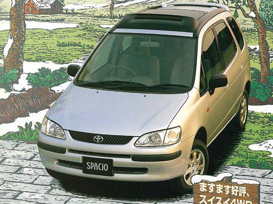 Первое поколение Toyota Spacio