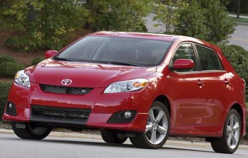 Toyota Corolla Matrix - вид спереди